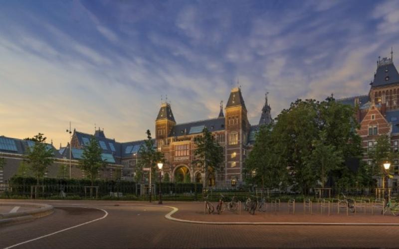Het Rijksmuseum in Amsterdam - Foto: John Lewis Marshall