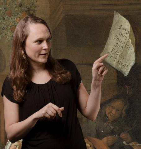 Het Rijksmuseum lanceert als eerste museum een videotour in Nederlandse Gebarentaal.